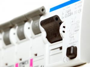 Segni Che La Tua Casa Ha Un Problema Elettrico
